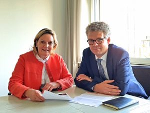 Die Landtagsabgeordneten Simone Wendland und Dr. Stefan Nacke