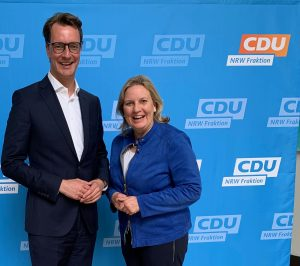 Verkehrsminister Hendrik Wüst und Simone Wendland MdL .