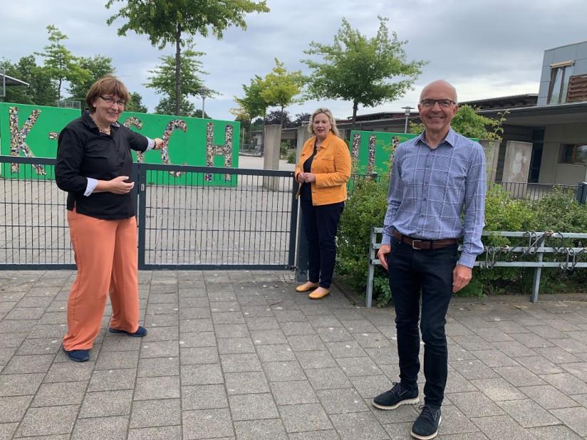 Foto (v.l.n.r.): Mechthld Neuhaus (CDU), Simone Wendland MdL, Dr.Martin Lücke (CDU)