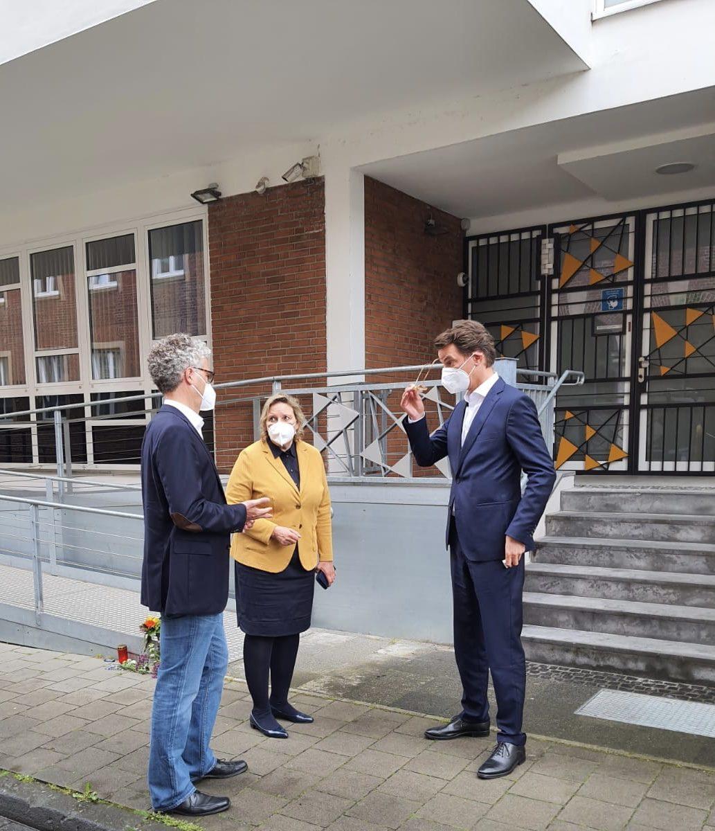 Landtagsabgeordnete Stefan Nacke und Simone Wendland mit dem Minister für Verkehr des Landes Nordrhein-Westfalen Hendrik Wüst